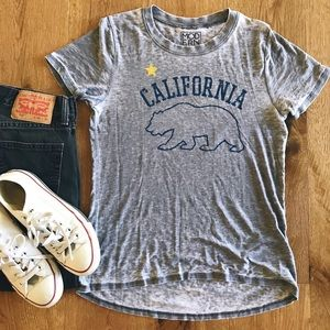 """Modern Lux gray graphic tee """"California"""" size M"""